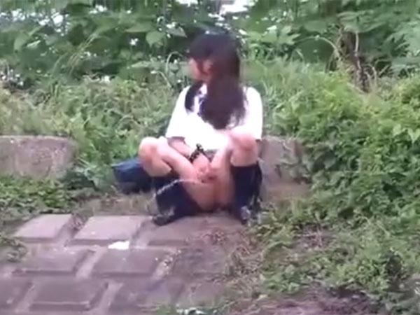 JK放尿盗撮