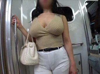 街撮り着衣巨乳