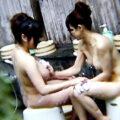 【温泉盗撮動画】おっぱいもおマンコも!脱衣所から温泉入浴まですべて丸見えですw