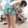 【パンチラ盗撮動画】買い物中のミニスカ美少女をローアングル盗撮