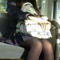 【画像】脚のテカリがたまらなくエロいJKの黒パンスト、タイツ盗撮!